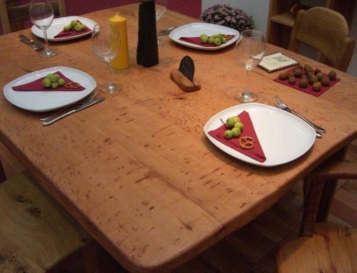 Eßtisch aus Platane