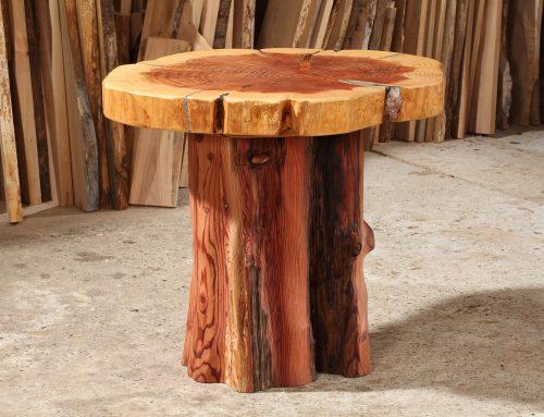 runder Tisch aus Mammutbaum