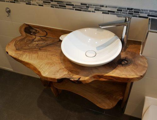 Waschtisch-Platte aus Nußbaum